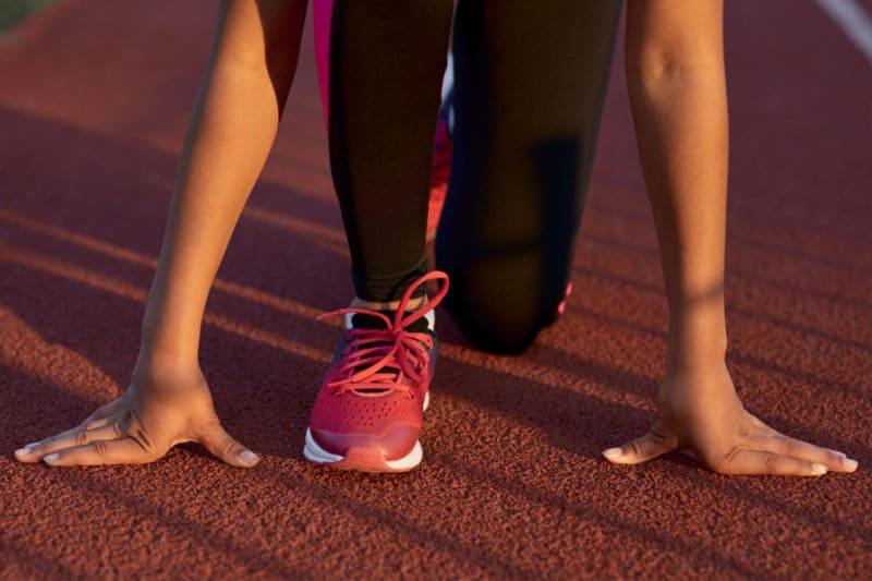 girl starting track race